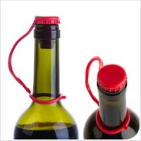 Wholesale Soft silicone bottle Cap stopper plug Anti lost hanging buckle type seasoning beer red wine bottle caps plugs