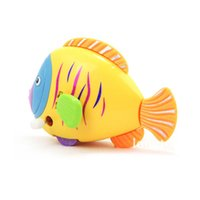 Wholesale Activity Wind up Toy fish clockwork toy Colorful fish moving tail ornaments multifunctional swimming fish Mini moving fish