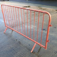 Wholesale Welding or removable claw feet Hot sale bike rack fence barricade from Chinese factory