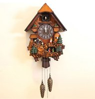 Wholesale Cuckoo clocks Creative wood fashion clock sitting room TSilent bird wall clock
