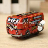 Wholesale NEW Arrival Vintage Classic Firefighter Fire Engine Truck Clockwork Wind Up Tin Educational Toys Perfect Gift for Children