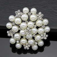 Wholesale Clothing Accessories Beads Pearls - 2016 Hot European and American classic corsage brooch inlaid pearl beads brooch more women's clothing accessories holding flowers