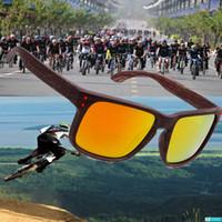 al por mayor de moda las gafas de sol polarizadas de los hombres de conducción-Moda HOLBROOK Gafas de sol Polarized hombres mujeres Imitación marco de madera Deportes al aire libre Espejo Conducir gafas de sol oculos Male gafas de gafas