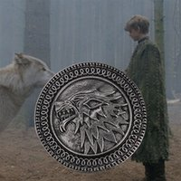 Wholesale 2015 New Popular Song of Ice and Fire Game of Thrones Targaryen Wolf Head Pin Brooch Men s Alloy Wolf personality charm brooches