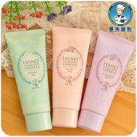 Wholesale Mentholatum Whitening Hand Cream Moisturizing anti chapped winter care hand cream for male and female
