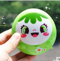 Wholesale Minimum order is mix order portable USB and battery smiling face hand warmers