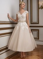 ball gown wedding dress designers - 1950 s Vintage V neckline Lace Tulle Tea Length Ball Gown Women Wedding Dresses New Designer Cap Sleeves Short Bridal Gowns Informal