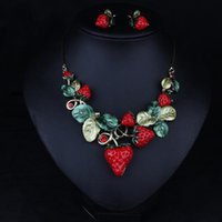 acrylic name necklace - 2016 European and American luxury retro Necklace Earrings Set strawberry evening gown big name fashion handbags with jewelry
