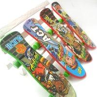 Wholesale 2015 new cm finger skateboard plastic multi kinds pattern novelty toys finger skateboard toys