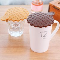 Wholesale Creative biscuit shape leakproof lid lid dust Smile dust lid Silicone lid color