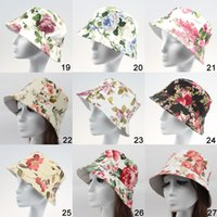 Wholesale Mix colors Women Casual Floral Printed Canvas Sun Hats Ladies Girls Fashion Travel Stingy Brim Hats Beach Caps