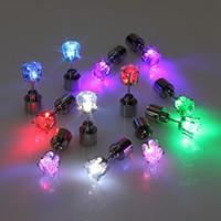 Wholesale New Christmas Earrings for unisex LED stud earrings Lights Strobe LED Luminous Earring Party Magnets Earring Lights pendientes