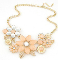 bib necklace wholesale - New Beautiful Flowers Statement Necklace Bib Choker Necklace Fashion Women Jewelry Valentines Day Gift
