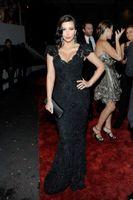 Reference Images V-Neck Lace Dazzling Sheath Beads Lace Celebrity Dresses Sequins V Neck Cap Sleeves Floor Length Kim Kardashian Evening Gowns Prom Dress