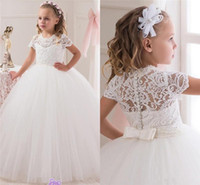Wholesale Communion Ball Gown Flower Girls Dresses For Weddings Tulle Little Kids Dresses Formal Lace Christmas Pageant Gowns With Short Sleeves