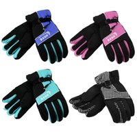 Wholesale Outdoor sport V Motorcycle Gloves Winter Electric Vehicle Warm Heated Gloves Windproof Protective Waterproof Luvas new