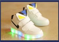 al por mayor botas de velcro-2016 nuevos cabritos llevaron la muchacha ocasional del bebé de las zapatillas de deporte de los zapatos de los niños de los zapatos de los niños de las muchachas de los zapatos de los niños ligeros iluminados de los cargadores de la muchacha 4 colores