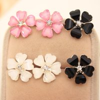 Stud Women's Alloy Beautiful Clover Flower Crystal Stud Earrings for Women Jewelry White Stud Earrings Diameter 1.5 cm EH055