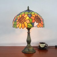 bedroom decorating painting - Table Lamp Tiffany European Vintage Artistic Glass Sunflower Desk Lamp Cafe Living Room Bedroom Bedside Decorate Light Dia cm