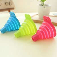 Wholesale Novelty Home Foldable Portable Collapsible Silicone Funnel Hopper Kitchen Tool Gadget