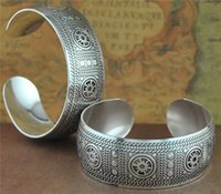 antique metal plate - Vintage Tibetan Antique Silver Bangles Retro silver plated metal carved sun opening bangle Bracelets