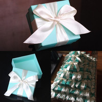Wholesale New Design Square Candy Boxes Bow Ribbon Wedding Favor Holders Creative Pieces Ceremony Gift Box Chocolate Bag