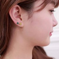 best it world - Women earrings which is mainly for women that has the beautiful style and fancy quality and it is selling best in the world