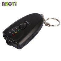 Wholesale Mini LED Breath Alcohol Tester Keychain Breathalyzer Alkohol Tester Gadget Alcoholimetro with Flashlight Retail Box