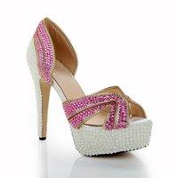 2015 nouvelles belles perles blanches faites à la main chaussures de mariage open toe robes sandales fuchsia plateforme de cristal sandales à talons hauts