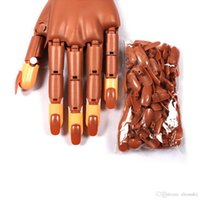Wholesale New Pro Nail Trainer Practice Hand Super Flexible Fingers Personal Salon Adjustable Practice Hand Nail Refit Tips