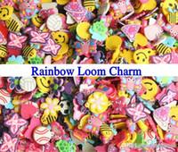 al por mayor pack de pulseras-Mezcla encantos de sorpresas de la muchacha para las pulseras del silicón del telar del arco iris pequeño colgante mini paquete del encanto de la goma 1000pcs