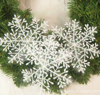 Wholesale Christmas snowflake plastic snow Christmas tree decoration accessories festival party supplies of one package
