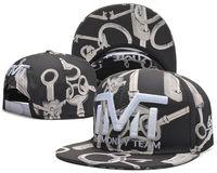 Wholesale football bulls snapbacks cap fitted hats basketball baseball cap sport team hats hip hop street caps adjustable gym running men training cap