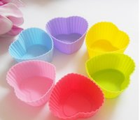 Wholesale 7CM Heart shaped silicone baking Cake cup Baking Moulds Muffin Cup Cake Moulds FDA SGS Non toxic Tasteless Non stick Bakeware Cupcakes