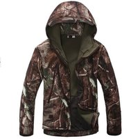 camouflage clothing - New Men s Lurker Shark skin Soft Shell Outdoor Military Tactical Hiking Jacket Waterproof Windproof Sports Army camouflage clothing