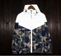 Wholesale 2016 Mens sport skateboard brand suprem M reflect light outdoor camouflage jackets coats men women camo floral jacket windbreaker