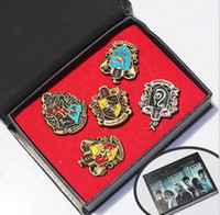 Wholesale Hot Harry metal Badge brooch pins fashion styles set Ravenclaw Hogwarts Slytherin Hufflepuff Brooches with box best christmas gift jewelry