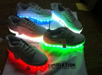 Wholesale Simulation LED Sneaker Shoes For Men Women Unisex Hip Hop Dancers With Fashion Cool LED Night Light White RED BLUE GREEN
