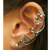 Wholesale 2016 Ear Cuff White Direct Ear Cuff Black Foreign Trade Jewelry New Punk Style Nightclub Exaggerated Flower Clip Explosion Models