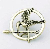 acrylic casting resin - 2015 Hot Sale Real Women s Gift Die cast Version of European And American Fashion Manufacturers Hunger Games Ridicule Birds Brooch Trade