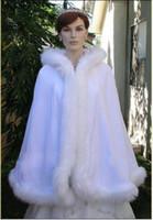 Faux fur jackets Цены-2016 Искусственного Меха Ivory Подогреть Bridal Wrap 2015 Бесплатная доставка осень-зима Bridal Куртки Cape Свадебное манто
