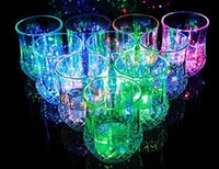 plastic barware - Hot selling Colorful LED flash cup Acrylic Cup Flashing Rocks Glass Barware Lamp goblet