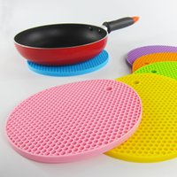 Wholesale Candy color Thick cellular silicone mat eco friendly Kitchen Pads Anti skid pad insulation pads Heat mats Table Accessories