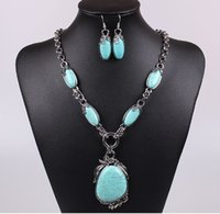 Wholesale Vintage Turquoise Stone Pendant Necklace Earrings Jewelry Set Womens Personalized Necklaces Fashion
