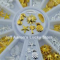 al por mayor la belleza de coco-Wholesale-120PCS Belleza del verano 3D metal del clavo de la rueda de la decoración del arte Accesorios plata del oro del árbol de coco de la pluma de la piña