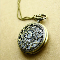 Wholesale Hot Sale Vine bronze Web Spider Pocket watch Antique Clock necklace chain quartz pendant watch Nurse fob watches Pocket