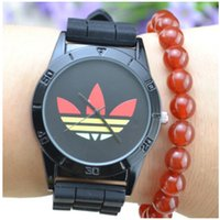 Wholesale Fashion Wristwatches Girl Ladies Clover Silicone Watch Quartz Leaf Grass Sport Watch for Women Men Lover