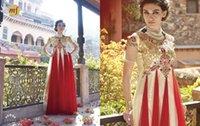achat en gros de haute empire robes du soir taille-Arabe Mode Jewel Neck manches courtes Dubaï Empire Haute taille d'or et rouge broderie Robes de soirée Designer Long Gowns