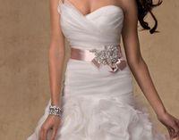 Wholesale Stunning Cheap Pink Wedding Sashes Crystal Hand Made Bridal Belt Wedding Dress Waistband Bridal Brooch Bow Sash In Srtock