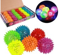 Wholesale Soft Rubber Flash Ball LED Flash Ball Toys Hedgehog Ball Bouncing Ball Flash Barbed Ball Led Flash Pet Toys Christmas Birthday Festival Gift